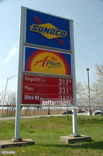 High Gas Prices New Yorkers Rush to New Jersey to Fill Up at the Vince Lombari rest stop on The Jersey Turnpike