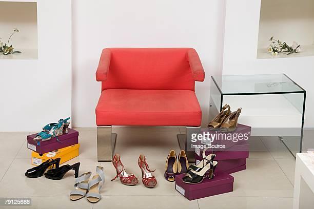 heeled Zapatos acceso en silla