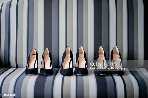 high heeled shoes - tacones altos fotografías e imágenes de stock