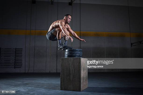 salto de altura - crossfit stock pictures, royalty-free photos & images