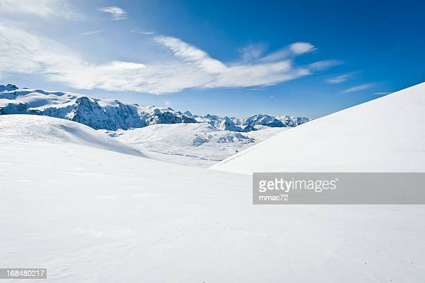 high mountain landscape with sun - landschap stockfoto's en -beelden