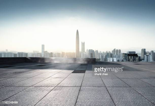 high platform for urban scenery - 敷石 ストックフォトと画像