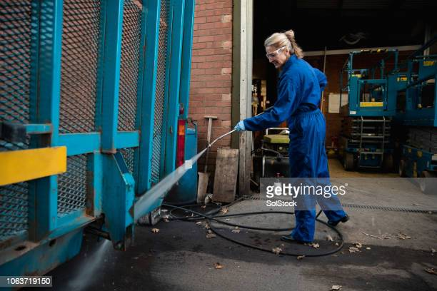 high pressure cleaning - high pressure cleaning stock pictures, royalty-free photos & images