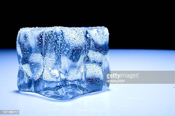 A high res picture of an ice cube