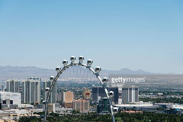 high roller ferris wheel - high roller ferris wheel stock photos and pictures