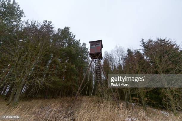 high seat for animal hunting - czech hunters stock-fotos und bilder