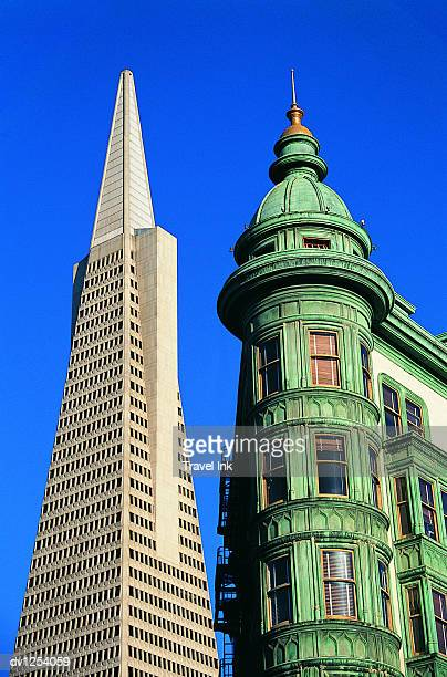 High Section View of the Transamerica Pyramid Side by Side With an Old Fashioned Building, San Francisco, USA