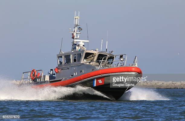 high speed coast guard patrol boat, cleveland, ohio, usa - coast guard stock pictures, royalty-free photos & images