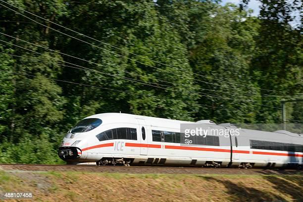 High-Speed-Zug fahren schnelle