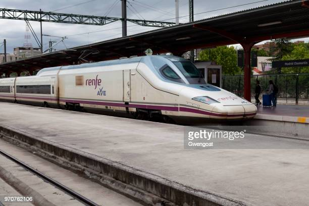 high speed train in madrid chamartín railway station - alta velocidad espanola stock pictures, royalty-free photos & images