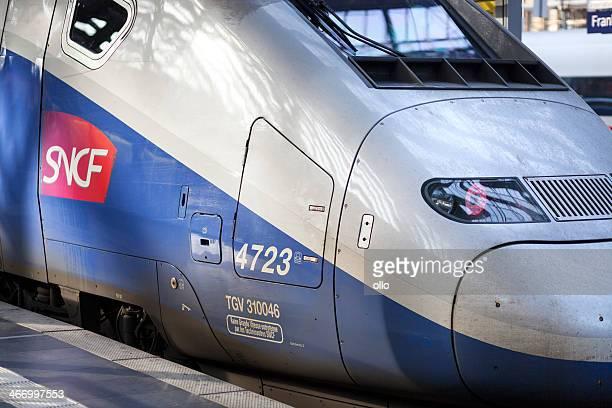 train à grande vitesse tgv - tgv photos et images de collection