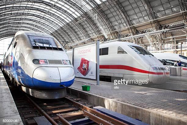 les trains à grande vitesse, glace et tgv - tgv photos et images de collection