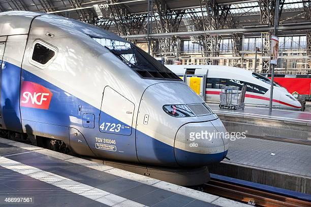 les trains à grande vitesse.  tgv et glace - tgv photos et images de collection