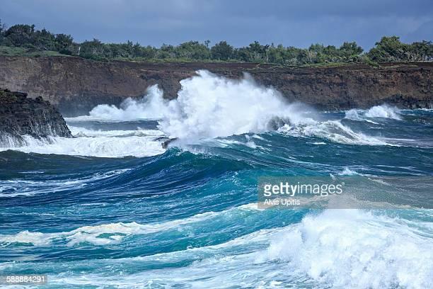 High surf at Keokea Beach Park, Hawaii