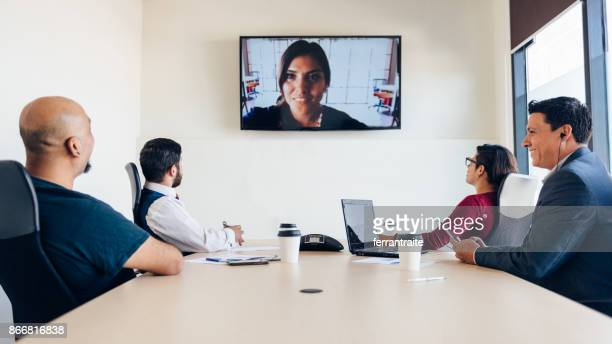 High-Tech-Business-Meeting
