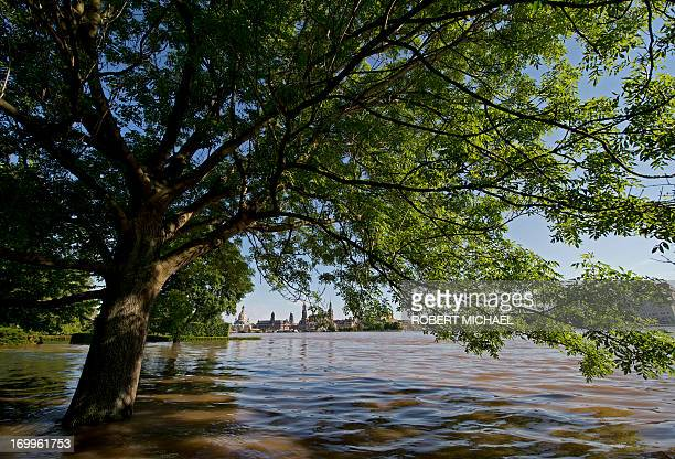 High tide scale of the river Elbe is seen in Dresden eastern Germany on June 5 2013 Chancellor Angela Merkel pledged 100 million euros in emergency...