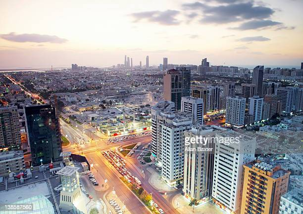 high view of abu dhabi at sunset - abu dhabi stock pictures, royalty-free photos & images