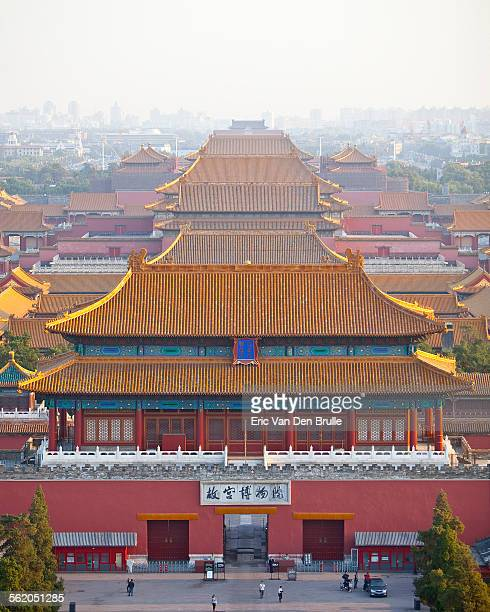high view of the forbidden city, bejing, china - eric van den brulle stockfoto's en -beelden