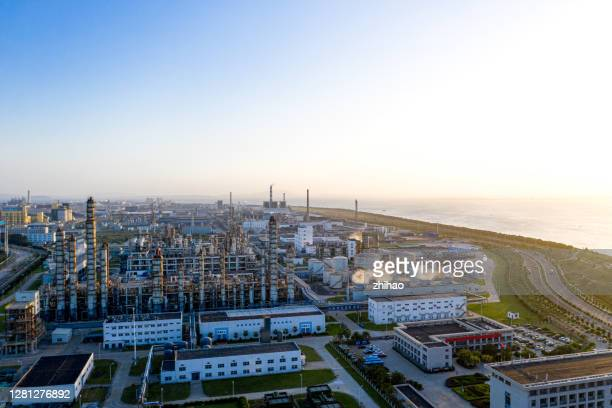 high-angle view of chemical plant landscape - 沿岸 ストックフォトと画像
