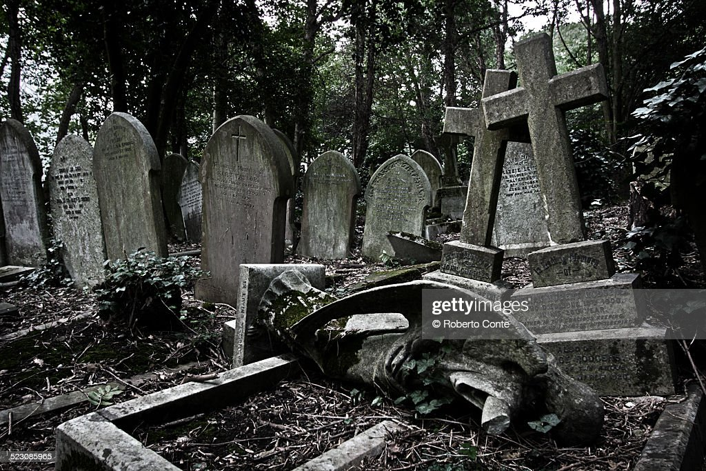 Highgate Cemetery : Stock Photo