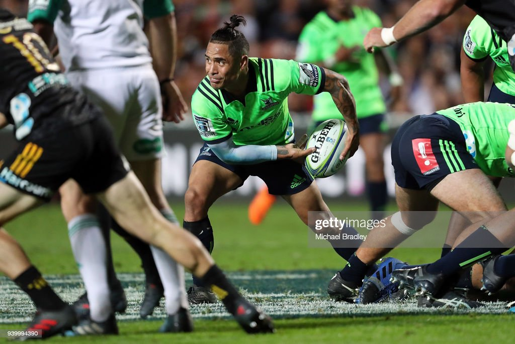 Highlanders Aaron Smith clears the ball during the round seven Super Rugby match between the Chiefs and the Highlanders at FMG Stadium on March 30, 2018 in Hamilton, New Zealand.
