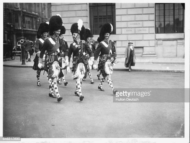 Highlanders Arriving for the Levee at St James's Palace