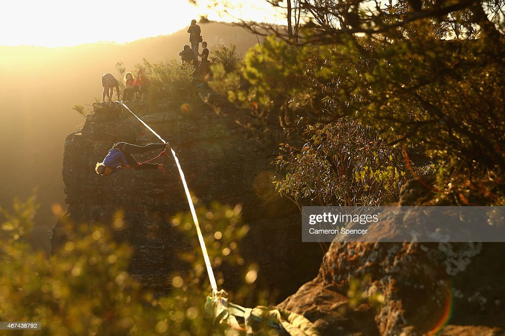 Highlining In The Blue Mountains : News Photo