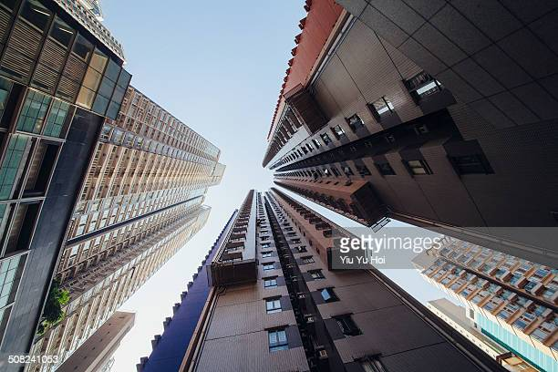 highrise and compact residential blocks in city - yiu yu hoi stock pictures, royalty-free photos & images