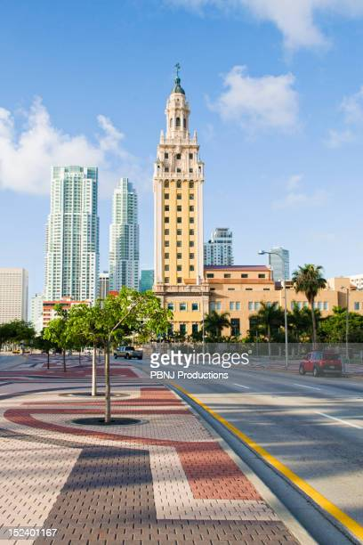 highrise buildings in urban city - downtown miami stock pictures, royalty-free photos & images