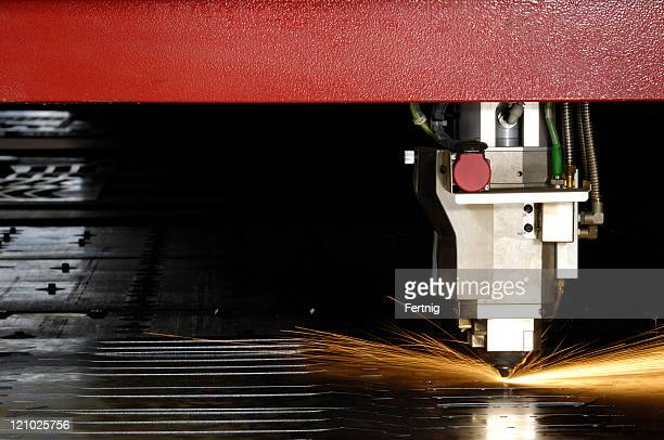 High-speed laser cutting machine