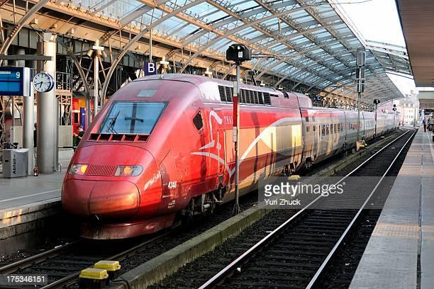 CONTENT] Highspeed TGV PBKA EMU operated by Thalys at Köln Hbf prior to departure towards Paris