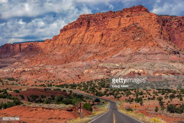 highway 24 leaving capitol reef national park, utah - capitol reef national park stock pictures, royalty-free photos & images