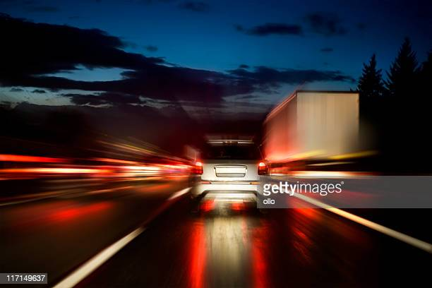 Highway in der Dämmerung, motion blur