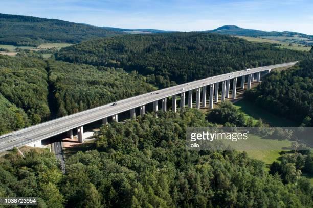 Autobahnbrücke - Luftbild
