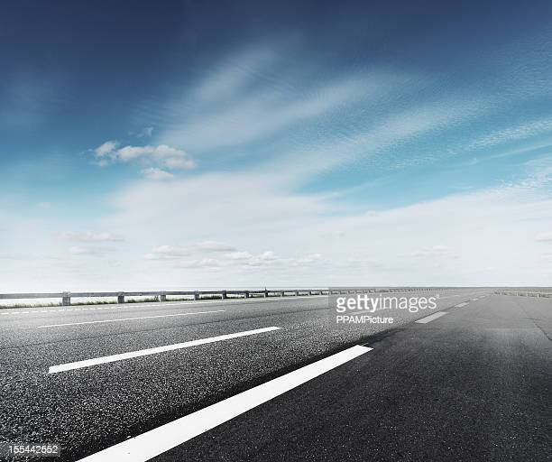 highway - thoroughfare stock photos and pictures