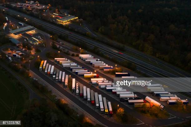 highway rest area, truck parking - luton stock pictures, royalty-free photos & images