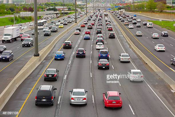 highway rush hour traffic - ontario canada stock pictures, royalty-free photos & images