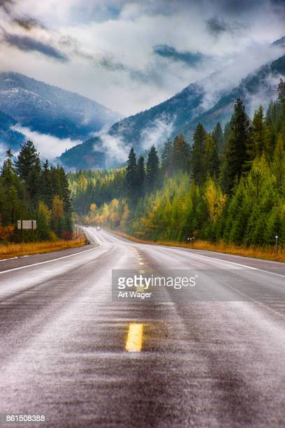 highway through western montana - montana western usa stock pictures, royalty-free photos & images