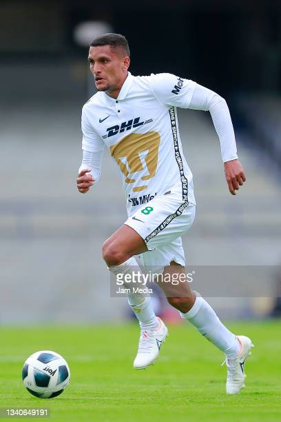 Higor Matheus Meritao of Pumas drives the ball during the 8th round match between Pumas UNAM and Chivas as part of the Torneo Grita Mexico A21 Liga...