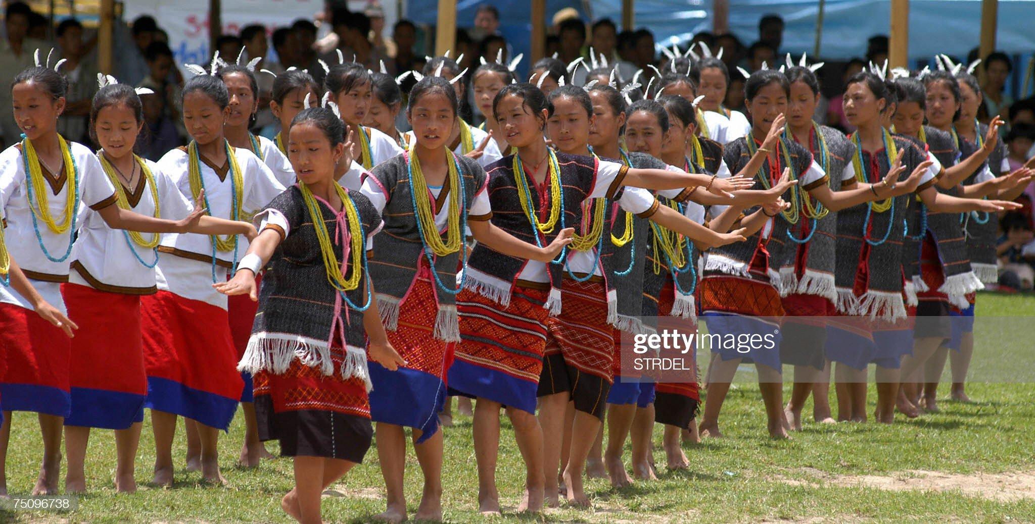 Young women from the Arunachal Pradesh t... : News Photo