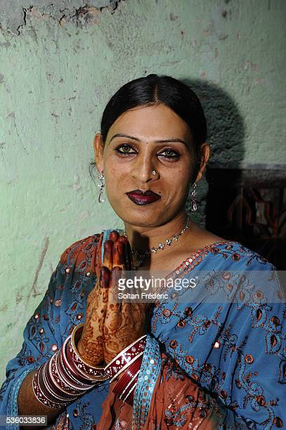 hijra in andheri suburb in mumbai - hijra stock pictures, royalty-free photos & images