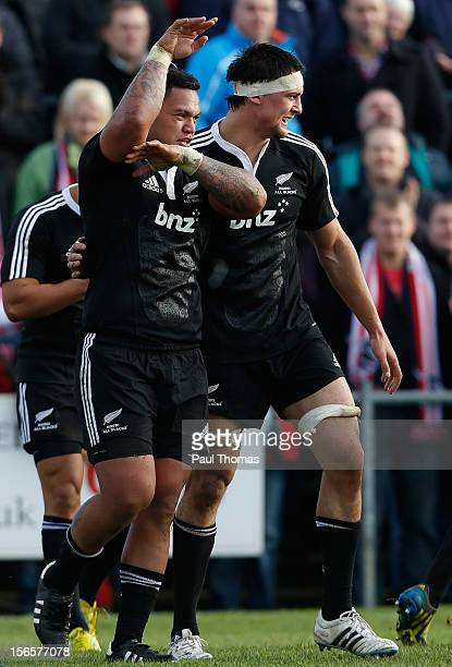 Hika Elliot of New Zealand Maori All Blacks celebrates after scoring a try during the RFU Championship XV and New Zealand Maori All Blacks rugby...