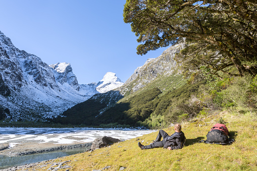 Hiker at Lake Mackenzie, Fiordland National Park, New Zealand - gettyimageskorea