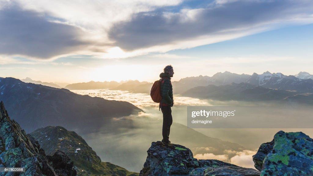 Blick auf die Bergkette Wanderer : Stock-Foto