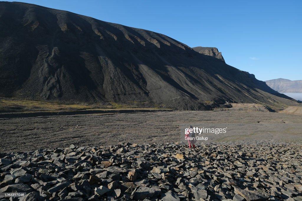 Summer Heat Wave Hits Svalbard Archipelago, Far North Of The Arctic Circle : News Photo