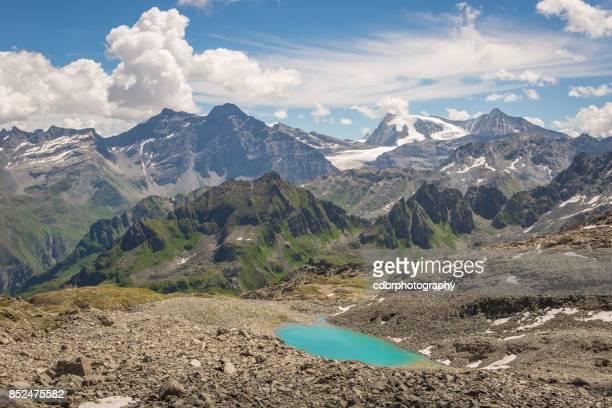 Wandern rund um die Schweizer Seen und Berge