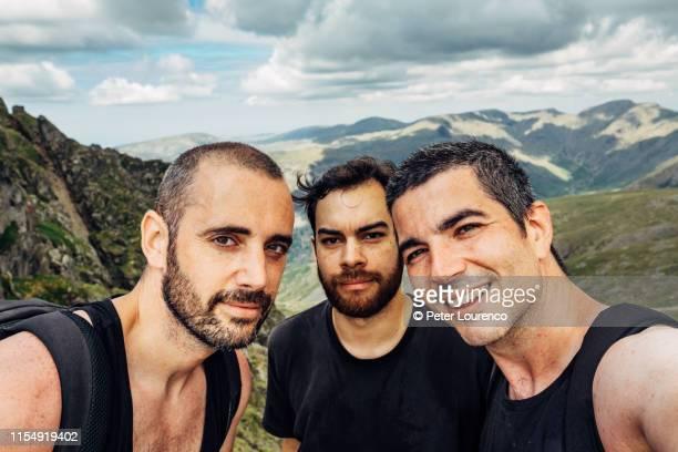 hiking friends - peter lourenco bildbanksfoton och bilder
