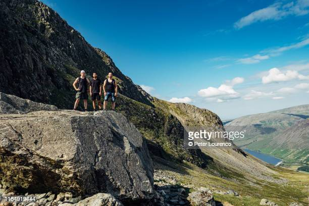 hiking friends - peter lourenco stock pictures, royalty-free photos & images