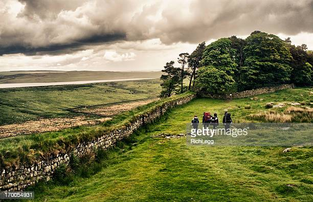 hiking hadrian's wall - vanishing point stock pictures, royalty-free photos & images