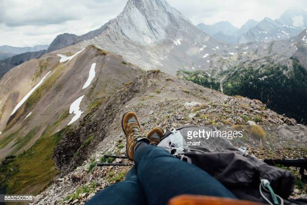 hiking in alberta - kananaskis country stock pictures, royalty-free photos & images